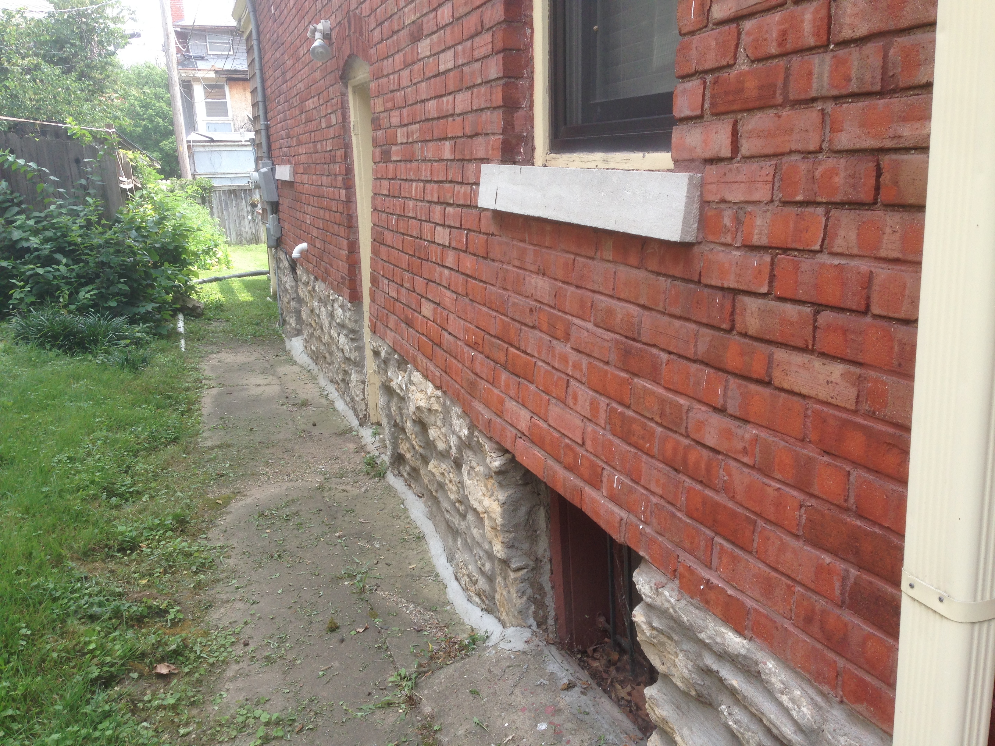 exterior wall brick bowing out