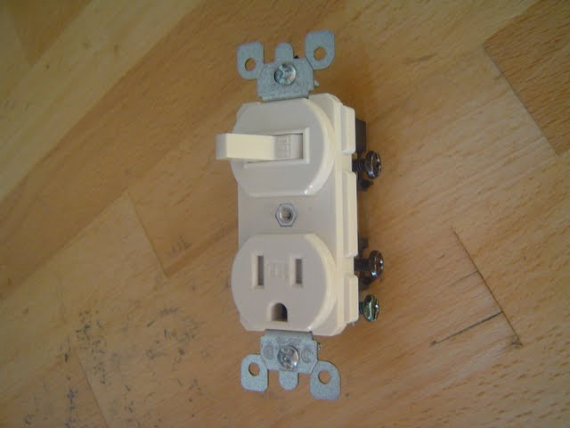 How to wire an outlet from a light switch