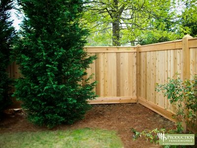 build privacy fence on a slope - EzineMark - Free Content Article