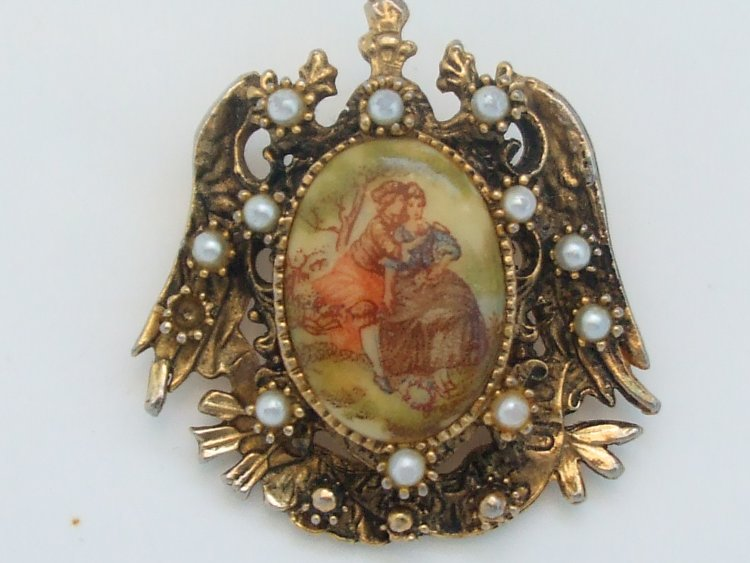 query on antique brooch value with pics