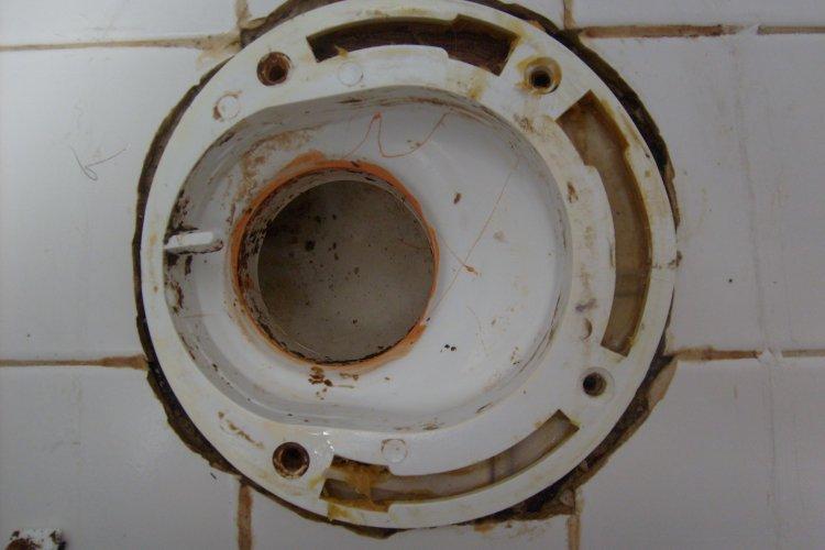 Offset Toilet Flange